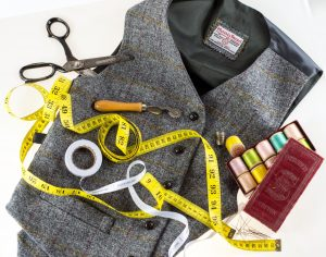 Waistcoat made with tape measure and cottons.